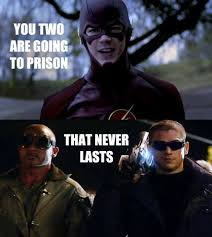 Funny Superhero Memes - memes to keep you going until the flash season 2 arrow memes
