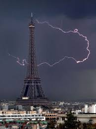 Eiffel Tower Floor Plan Ribbon Of Lightning Turns The Eiffel Tower Into A Letter P Daily