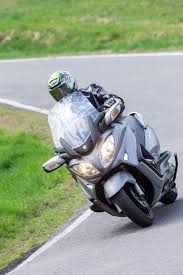 100 2006 suzuki burgman 650 abs and 650 executive review