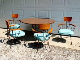 mid century modern round dining table midcentury tables and chairs google zoeken mid century atomic