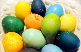 Coloring Eggs 15 Fantastic Ideas For Dyeing And Decorating Easter Eggs Parentmap