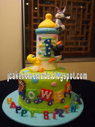 looney tunes baby shower baby looney tunes cake happy 1st birthday owens wong than flickr