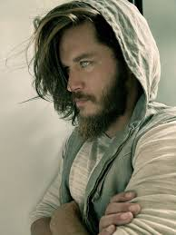 ragnar lothbrok cut his hair best 25 travis fimmel ideas on pinterest ragnar lothbrok actor
