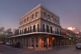 pre halloween spookiness lalaurie haunted mansion new orleans