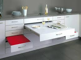 cuisine dans petit espace table blanche et bois avec deco cuisine équipée beau 100 ides de