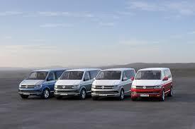 volkswagen guagua the motoring world volkswagen u0027s transporter collects top accolade