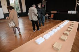 bureaux de vote présidentielle 2017 l enjeu de la participation alors qu ouvrent