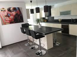 cuisine blanche sol noir cuisine sol noir avec cuisine blanche et moderne ou