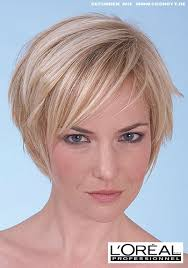 Bob Frisuren Kurz Blond by Kurzer Stufen Bob Mit Blonden Highlights Frauen Frisuren
