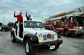jeep christmas tree marine corps installations pacific brings holiday spirit to