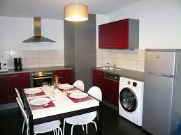 machine a laver dans la cuisine appartement classé 3 étoiles de 60 m pour des vacances à la