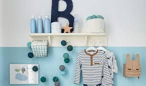 étagères chambre bébé étagère murale en bois crème pour chambre bébé vox