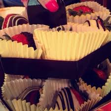 White Chocolate Dipped Strawberries Box Edible Arrangements Gift Shops 901 Indiantown Rd Jupiter Fl