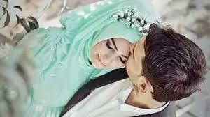 lelaki sejati adalah dia yang tak pernah malu memuliakan istrinya
