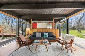 amagansett modernist home from 1960 is just 1 000 square feet
