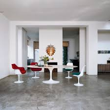 saarinen tulip high tables knoll