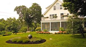 landscape house 11 homes with beautiful landscaping inspiration dering home