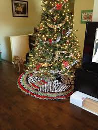 How To Decorate A Christmas Tree With Ribbon Garland Ribbon Tree Skirt And Beaded Garland Measurments Included Hometalk