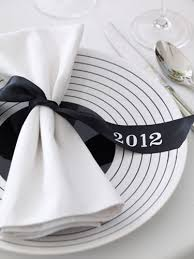 Decoration For New Year Table by 5 Place Setting Ideas For Your New Year U0027s Eve Dinner Party