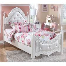Disney Princess Bedroom Furniture Set by Awesome Princess Bedroom Sets On Disney Heart Of A Princess 4