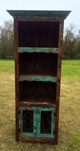 Wooden Bookshelves Pictures by Best 25 Rustic Bookshelf Ideas On Pinterest Bookshelf Diy Diy