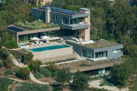 modern mansions stunning modern mansion in beverly hills on the market classy