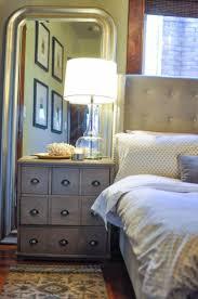 bedroom 2d2e92cbacaa7adad7896cbde2142987 mirror behind