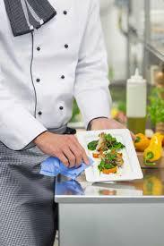 nettoyer cuisine la cuisine pro les solutions tork pour nettoyer essuyer et