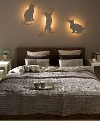 diy bedroom lighting decor ideas indirect lighting cat silhouettes