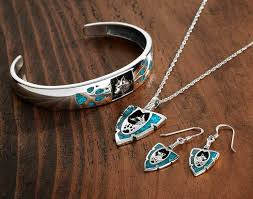 silver wolf pendant necklace images Turquoise silver wolf jewelry collection wild wings jpg