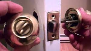 Replace Interior Door Knob Removing An Door Knob And Installing A New One