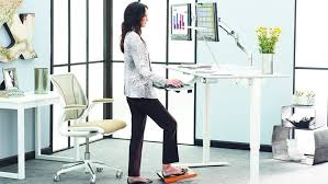 Stand And Sit Desk Sit Stand Desks Are A Healthy Choice Dig This Design