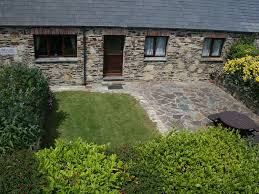 e17446 dog friendly 3 bed barn conversion close to padstow