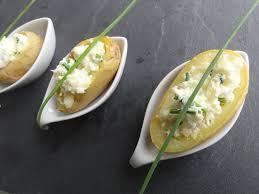 cuisiner la pomme de terre pommes de terre farcies au fromage frais et ciboulette aux fourneaux