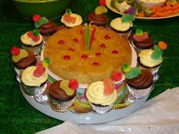 pineapple upside down birthday cake cakecentral com