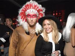 Cowboy Indian Halloween Costumes Adults Hilary Duff Apologizes U0027offensive U0027 Halloween Costume