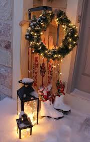 Wohnzimmer Weihnachtlich Dekorieren 18 Traumhafte Ideen Wie Sie Den Hauseingang Weihnachtlich Dekorieren