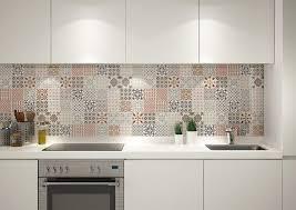 credence cuisine design crédence cuisine carreaux de ciment patchwork et artistique