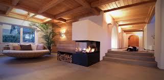 Wohnzimmer Modern Streichen Bilder Moderner Kamin Aus Stahl Und Putz Haus Kamin Pinterest