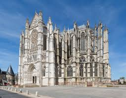 beauvais cathedral french moments