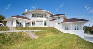 Modern House Exterior by Modern House Exterior Large And Expensive House Architecture