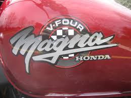 honda magna file 1995 honda magna gas tank red jpg wikimedia commons