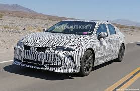 autos toyota autos toyota avalon spy shots cheers massive online party