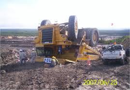 mining truck accident truck wrecks pinterest heavy equipment