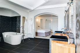 dans la chambre d hotel salle de bain chambre d hotel waaqeffannaa org design d