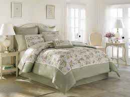 Laura Ashley Bedroom Furniture Amazon Com Laura Ashley Avery Bed In A Bag Queen Home U0026 Kitchen