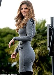 point of light award maria menounos shows off svelte figure in clinging grey dress as she
