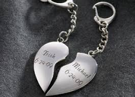 his hers gifts his and key chains top 10 anniversary gifts