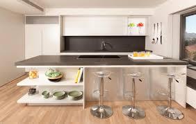 cuisine d appartement cuisine minimaliste au design contemporain en blanc design feria