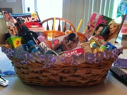 honeymoon shower gift ideas 56 best bridal gift baskets images on wedding gifts